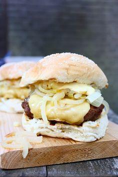 Big Tasty, Bruchetta Recipe, Brunch, Burger Buns, Dutch Recipes, Taco, Lunch Snacks, International Recipes, Easy Cooking