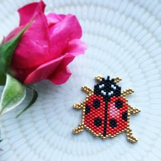 Browse Daily Anime / Manga photos and news and join a community of anime lovers! Peyote Stitch Patterns, Beading Patterns, Bead Embroidery Jewelry, Beaded Embroidery, Rose Moustache, Motifs Perler, Brick Stitch Earrings, Beaded Crafts, Peyote Beading