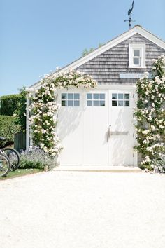 Looking forward to Spring in New England: Nantucket / A Dash of Details