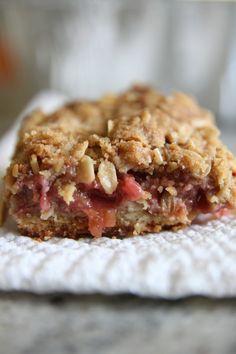 Strawberry Rhubarb Pie Bars