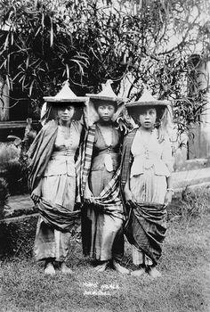 Moro women, Jolo, Sulu, Philippine Islands