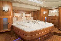 Geräumiges Schlafzimmer in der Sunbeam 53.2 #yacht # luxury