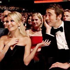 Is that a ship coming on? (Lee Pace and Kristen Chenoweth)