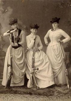Gesell, Gerhard - Women with Rifles, c 1889