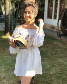 Jannat Zubair Rahmani is Indian One Of Cutest Actress and Tiktok Star Now. Jannat Zubair Rahmani Images Are So Cute And At Same Time Hot. Cute Girl Photo, Girl Photo Poses, Girl Photography Poses, Girl Poses, Beauty Photography, Stylish Girls Photos, Stylish Girl Pic, Teen Celebrities, Bollywood Celebrities