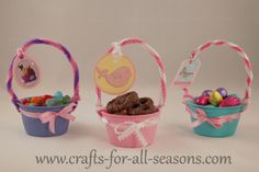 EASTER: Mini Easter baskets made by recycling single serving applesauce or fruit cups. Great for putting out at each place setting on your table. Healthy Fruit Desserts, Healthy Fruit Smoothies, Fruit Recipes, Easter Eggs Kids, Easter Egg Basket, Cup Crafts, Crafts For Kids, Doll Crafts, Preschool Crafts