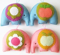 felt elephants - a great project for teaching your child seeing. Easy, cute, and success means they'll try again.-- for the mobile.
