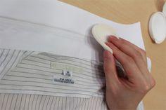 自宅でクリーニング!Yシャツの黒ずみ汚れは、アレを使えば簡単に取れる!そして、アレで予防もできちゃう!