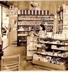Botika 1950..Manila Philippines Mahal Kita, Philippine Art, Intramuros, Filipiniana, Cultural Studies, Makati, Manila Philippines, Oldies But Goodies, World Photo
