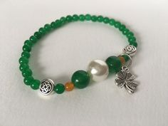Jade & Pearl Celtic Knot Bracelet, St. Patrick's Day jewelry set, Irish flag colors, mom gift, stretch charm bracelet, gift under 30 by JoyfulByNature on Etsy