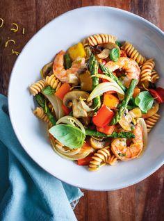 Ricardo& recipe: Vegetable and Shrimp Pasta Yummy Pasta Recipes, Shrimp Pasta Recipes, Easy Appetizer Recipes, Seafood Recipes, Vegan Recipes, Dessert Recipes, Dessert Healthy, Dessert Food, Party Appetizers