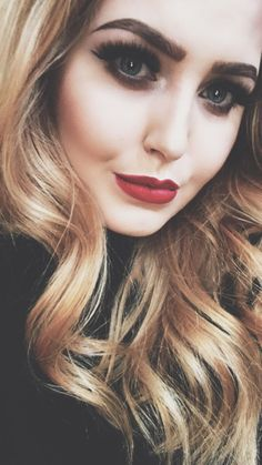 classic red lip makeup