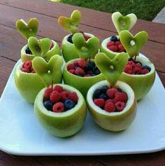 Fruit bowl display healthy snacks new Ideas Cute Food, Good Food, Yummy Food, Tasty, Delicious Fruit, Healthy Treats, Healthy Eating, Healthy Recipes, Easy Recipes
