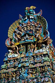 Sri Meenakshi Temple (This Hindu temple is dedicated to Shiva and his consort Parvati), Madurai, Tamil Nadu, India Ramanathaswamy Temple, Temple India, Hindu Temple, Buddhist Temple, Indian Temple Architecture, Colour Architecture, Religious Architecture, Beautiful Architecture, Indiana