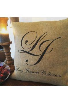 Coussin Personnalisable en Lin - Création Francaise Lucy Jeanne Collection - Cadeaux de Mariage Original et Chic