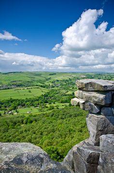 Curbar Edge, Peak District, Derbyshire, England by Dave Button Peak District England, Beautiful World, Beautiful Places, Homes England, England Uk, Places To Travel, Places To Visit, Living In England, England Ireland