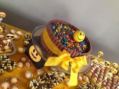 Birthday Smiley, Cake, Birthday Parties, Birthdays, Bernardo, Party, Sleepover Activities, Decorating Tips, Decorating Cakes