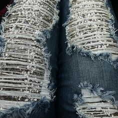Sequin leggings under holey jeans♥♥ Cute Fashion, Diy Fashion, Womens Fashion, Jeans Fashion, Fashion Ideas, Sequin Leggings, Sequin Jeans, Bling Jeans, Mode Jeans