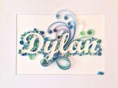 Cadre prénom personnalisable en quilling. Idéal comme idée cadeau. Dim. 30x40cm.   https://www.facebook.com/pages/Made-In-Paper/345440578871466