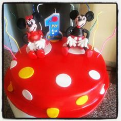 Minnie and mickey cakes