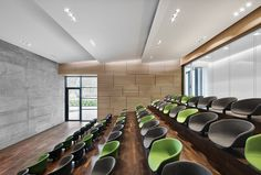 Image 4 of 33 from gallery of Joachim Herz Foundation / Kitzmann Architekten. Photograph by Kitzmann Architekten With Heiner Leiska Auditorium Design, Auditorium Architecture, Interior Architecture, Hall Interior Design, Hall Design, Best Office, Tiny Office, Front Office, Design Comercial
