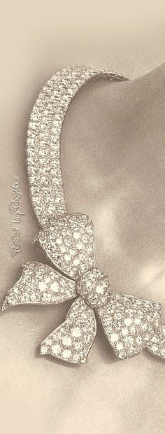 Regilla ⚜ The original Noued necklace by Chanel, 1932