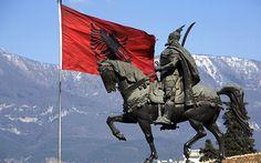 αλεπού του Ολύμπου: Δηλώσεις περί «Μεγάλης Αλβανίας» προκάλεσαν οργισμ...