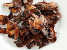 Crispy Vegan Smoked Mushroom �Bacon� ~ I'd be surprised if this really tasted like bacon... but I like mushrooms too ;)