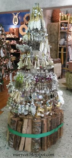 Árbol navideño con objetos de #Anthropologie (Miami Beach)