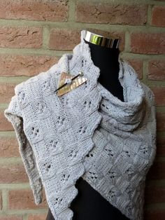 Strickanleitung Tuch MeRo-Gradini – Awesome Knitting Ideas and Newest Knitting Models Online Thrift Store, Loom Knitting, Knitting Ideas, Knitted Shawls, Knit Crochet, Sewing, Lace, Model, Fair Isles
