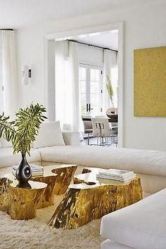 Con un viejo trozo de madera se pueden hacer tantas cosas ... y es que si quieres darle un toque rústico a tu decoración sin ningún desembolso, sólo necesitas hacerte con un tablón, no importa lo basta que sea la madera, porque el resultado es espectacular.. Desde un decorativo centro de mesa a modo de camino, hasta una mesita en el salón o en tu dormitorio. Esos pequeños toques rústicos son los q ...