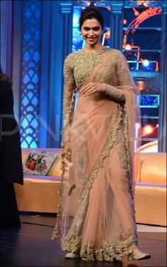 Indian fashion- Deepika Padukone wearing a beautiful saree Indian Bridal Outfits, Indian Designer Outfits, Saree Blouse Patterns, Saree Blouse Designs, Dress Indian Style, Indian Dresses, Saree Designs Party Wear, Designer Sarees Wedding, Saree Trends