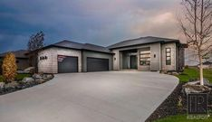 Headingley North for sale - Winnipeg Free Press Homes is your choice for finding Real Estate Agents who list Homes for sale in Winnipeg, Manitoba and surrounding areas. 3 Bedroom House, Home Studio, Home Builders, Real Estate, Mansions, House Styles, Homes, Marketing, Home Decor