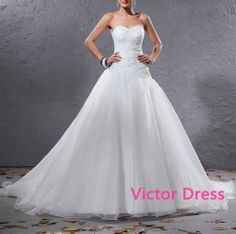Elegant Organza Pleated  Applique  Beaded Sweetheart Floor Length Court Train Ball Gown Wedding Dress 2014