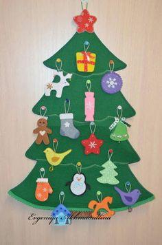 Ideas x temporada: Como hacer un árbol navideño para pared Christmas Tree Advent Calendar, Diy Christmas Tree, Felt Christmas, Christmas Projects, Christmas Holidays, Christmas Ornaments, Decoration Creche, Xmas Decorations, Felt Tree