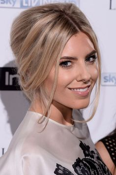 Super Pulled Back Sleek Pontail Updo Medium Hairstyles For Thin Hair Hairstyle Inspiration Daily Dogsangcom