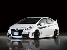 Prius Toyota Hybrid, Black Rims, Toyota Prius, Car In The World, Fuel Economy, Electric Cars, Car Ins, Custom Cars, Cool Cars
