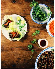 Essayez ces wraps de laitue au porc épicé ce soir! C'est un souper léger qui se prépare vite. #foodieblogger #instagood #foodstagram #instafoodie #mtlblogger #eatmtl #mtlfoodie #canadianblogger #souper #diner #fraichementpresse #porc #wrap #lettucewrap