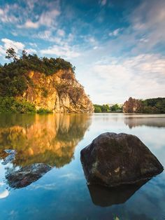 Little Guilin: A beautiful hidden gem in Singapore (Photo by: akosihub) | Singapore Photo Guide