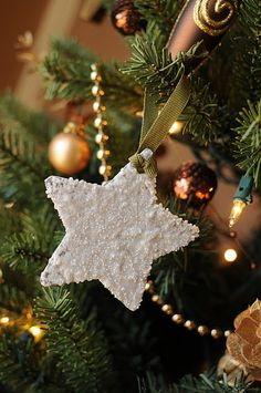 Cardboard, glue, and epsom salt = inexpensive cheap Christmas ornaments - throw some glitter in the mix, would look awesome. Cheap Christmas Ornaments, Cardboard Christmas Tree, Homemade Ornaments, Homemade Christmas, Holiday Fun, Christmas Holidays, Christmas Decorations, Christmas Concert, Christmas Star