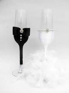 His/Hers champagne flutes Wedding Wine Glasses, Wedding Champagne Flutes, Champagne Glasses, Diy Wedding Decorations, Wedding Centerpieces, Handmade Wedding, Wedding Gifts, Wedding Accessories, Creations