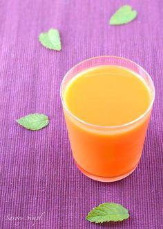 Energy booster 1 orange, peeled 4 carrots 1/2 lemon, peeled 1/4 inch fresh ginger root 2-3 mint leaves