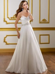 Stunning A-line Sweetheart Sleeveless Sweep/Brush Train Chiffon Wedding Dress For Brides with Beading
