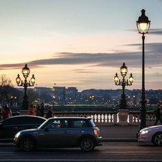 Lights on! #paris #France #iloveparis #parisjetaime #night