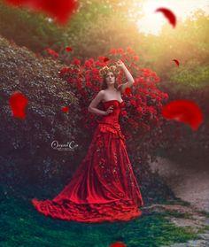 Photographer: Original Cin Photography Model: Stella Vermeulen Muah: Carly Heemstra Dress: Secret Garden Dress Colab with: Art Photo Projects Headpiece: Eveline Dorresteijn