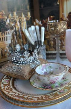 Ana Rosa, a regal tea. Vintage Tea, Vintage China, Wedding Vintage, Vintage Table, Trendy Wedding, Vintage Soul, Vintage Party, Antique China, Gold Wedding