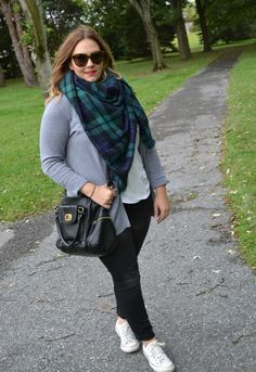 Plus Size Outfit Ideas. Sweater Weather. Black Skinny Jeans. Blanket Scarf. White Converse.