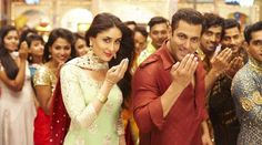 Aaj ki Party Meri taraf Se HD Video Song Bajrangi Bhaijaan with featuring Salman Khan & Kareena Kapoor. Aaj Ki Party Full HD Video Song sung by Mika Singh.