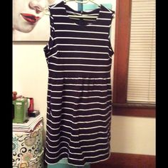 Dress with pockets Navy and white sleeveless dress super cute!! Lands' End Dresses