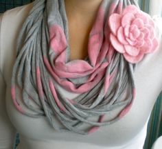 grey pink t-shirt-yarn scarf